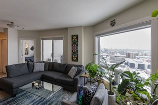 Photo 4: 2306 10410 102 Avenue in Edmonton: Zone 12 Condo for sale : MLS®# E4228974