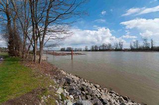 "Photo 34: 203 2763 CHANDLERY Place in Vancouver: South Marine Condo for sale in ""RIVER DANCE"" (Vancouver East)  : MLS®# R2526215"