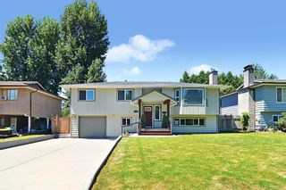 Photo 1: 11781 GEE Street in Maple Ridge: East Central House for sale : MLS®# R2602105