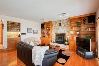 Photo 15: 27 Strathlorne Bay SW in Calgary: Strathcona Park Detached for sale : MLS®# A1120430