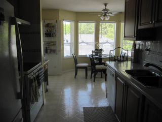"""Photo 10: 35 12296 224 Street in Maple Ridge: East Central Townhouse for sale in """"The Colonial"""" : MLS®# R2367727"""