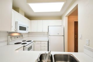 """Photo 4: 203 15111 RUSSELL Avenue: White Rock Condo for sale in """"Pacific Terrace"""" (South Surrey White Rock)  : MLS®# R2102035"""
