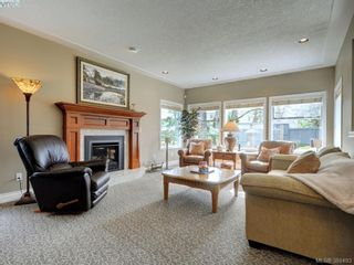 Photo 15: 915 Maltwood Terr in VICTORIA: SE Broadmead House for sale (Saanich East)  : MLS®# 780757