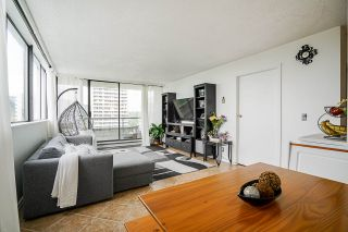 """Photo 9: 1706 3970 CARRIGAN Court in Burnaby: Government Road Condo for sale in """"Harrington - Discovery Place 2"""" (Burnaby North)  : MLS®# R2485724"""