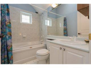 """Photo 14: 2 15432 16A Avenue in Surrey: King George Corridor Townhouse for sale in """"Carlton Court"""" (South Surrey White Rock)  : MLS®# F1449185"""