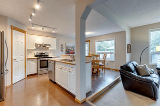 Photo 5: 130 Somerset Circle SW in Calgary: Somerset Detached for sale : MLS®# A1139543