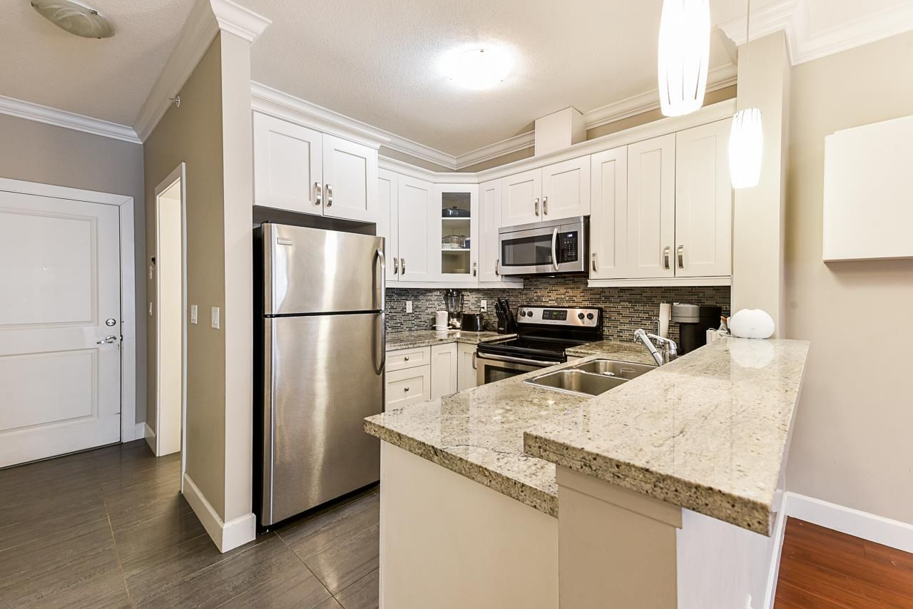 """Main Photo: 503 13897 FRASER Highway in Surrey: Whalley Condo for sale in """"The Edge"""" (North Surrey)  : MLS®# R2539795"""