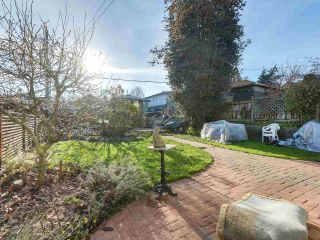 "Photo 19: 1316 E 20TH Avenue in Vancouver: Knight House for sale in ""CEDAR COTTAGE"" (Vancouver East)  : MLS®# R2326256"