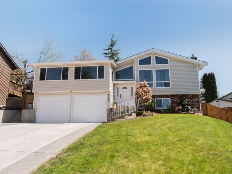 FEATURED LISTING: 31458 SPRINGHILL Place Abbotsford