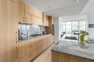 """Photo 9: 903 2411 HEATHER Street in Vancouver: Fairview VW Condo for sale in """"700 West 8th"""" (Vancouver West)  : MLS®# R2259809"""