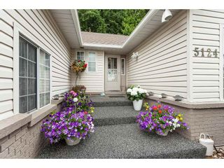 Photo 2: 5124 219A Street in Langley: Murrayville House for sale : MLS®# R2385983