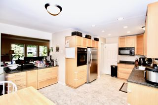 Photo 6: 2421 Aladdin Crescent in Abbotsford: Abbotsford East House for sale : MLS®# R2577565