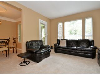 """Photo 2: 141 15550 26TH Avenue in Surrey: King George Corridor Townhouse for sale in """"Sunnyside Gate"""" (South Surrey White Rock)  : MLS®# F1414427"""