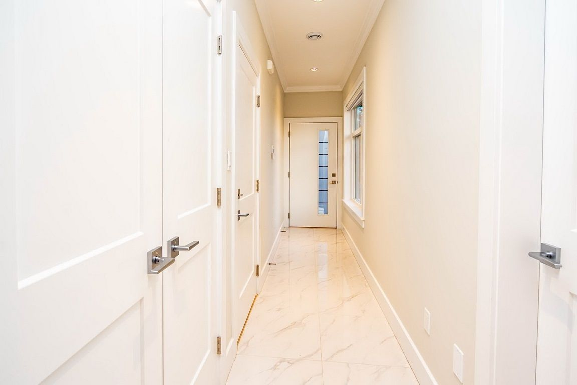 "Photo 2: Photos: 101 6571 NO. 4 Road in Richmond: Garden City Townhouse for sale in ""QURESHA GARDENS"" : MLS®# R2525392"
