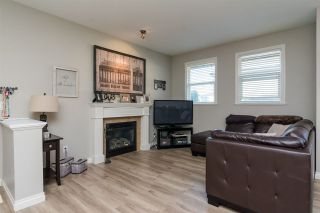 """Photo 3: 3 18087 70 Avenue in Surrey: Cloverdale BC Townhouse for sale in """"PROVINCETON"""" (Cloverdale)  : MLS®# R2210473"""