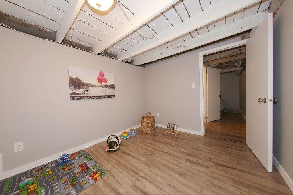 Photo 40: Photos: 684 Ashburn Street in Winnipeg: West End/Polo Park Single Family Detached for sale (West Winnipeg)  : MLS®# 1511759