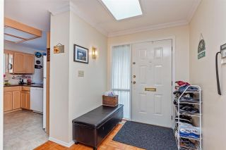"""Photo 5: 13 2988 HORN Street in Abbotsford: Central Abbotsford Townhouse for sale in """"Creekside Park"""" : MLS®# R2583672"""