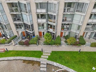 """Photo 29: TH117 1288 MARINASIDE Crescent in Vancouver: Yaletown Townhouse for sale in """"Crestmark I"""" (Vancouver West)  : MLS®# R2625173"""