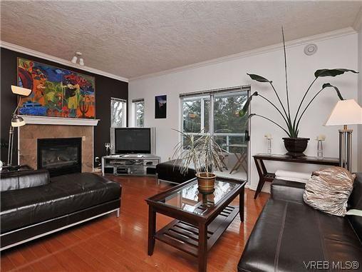 Main Photo: 601 1500 Elford St in VICTORIA: Vi Fernwood Condo for sale (Victoria)  : MLS®# 628438