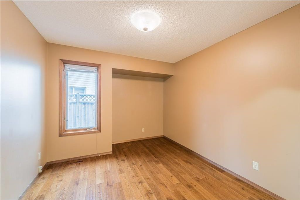Photo 10: Photos: 25 Shannon Green SW in Calgary: Shawnessy House for sale : MLS®# C4140959