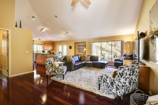 Photo 6: 2090 Chilcotin Crescent in Kelowna: Dilowrth Mt House for sale (Central Okanagan)  : MLS®# 10201594