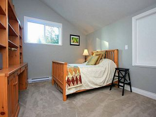 """Photo 15: 1128 TALL TREE Lane in North Vancouver: Canyon Heights NV House for sale in """"CANYON HEIGHTS"""" : MLS®# V1043343"""