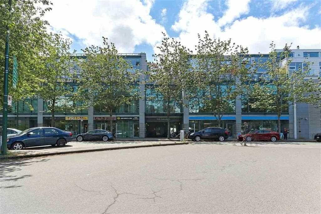 """Main Photo: 314 1630 W 1ST Avenue in Vancouver: False Creek Condo for sale in """"THE GALLERIA"""" (Vancouver West)  : MLS®# R2404590"""