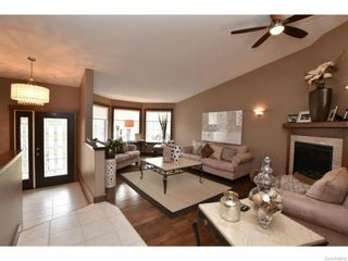 Photo 4: 8092 STRUTHERS Crescent in Regina: Westhill Single Family Dwelling for sale (Regina Area 02)  : MLS®# 607013