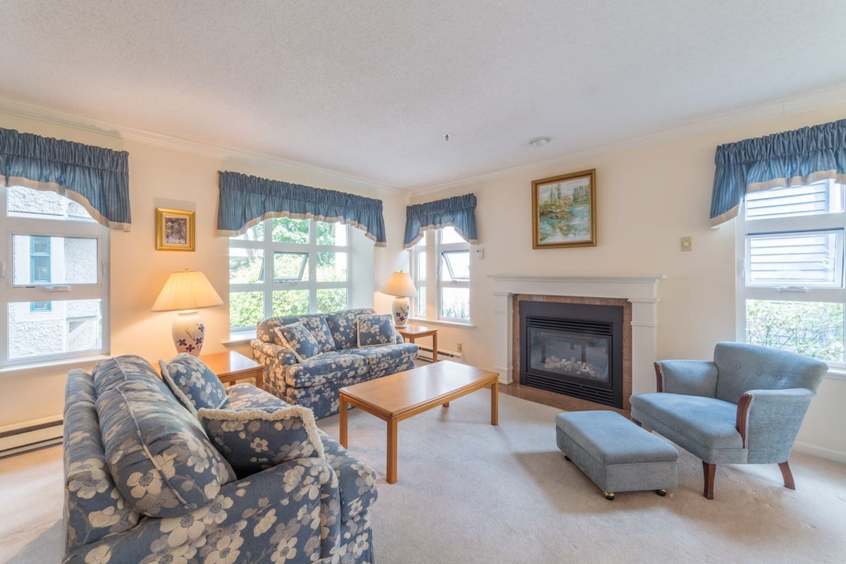 Main Photo: 204 3788 W 8TH Avenue in Vancouver: Point Grey Condo for sale (Vancouver West)  : MLS®# R2297649