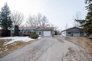 Photo 2: 417 5TH Avenue South in Niverville: R07 Residential for sale : MLS®# 202105204