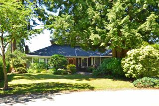 """Photo 1: 13231 AMBLE GREENE Place in Surrey: Crescent Bch Ocean Pk. House for sale in """"Amble Greene"""" (South Surrey White Rock)  : MLS®# R2185468"""