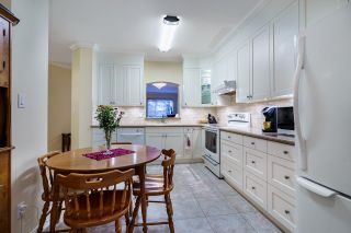 """Photo 13: 124 3098 GUILDFORD Way in Coquitlam: North Coquitlam Condo for sale in """"MARLBOROUGH HOUSE"""" : MLS®# R2555992"""
