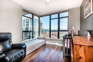 """Photo 15: 1903 11 E ROYAL Avenue in New Westminster: Fraserview NW Condo for sale in """"""""THE RESIDENCES OF VICTORIA HILL"""""""" : MLS®# R2354217"""