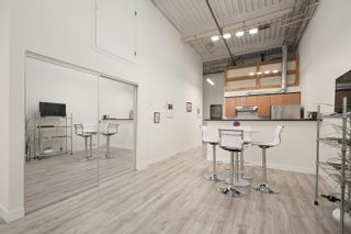 """Photo 10: 301 338 W 8TH Avenue in Vancouver: Mount Pleasant VW Condo for sale in """"LOFT 338"""" (Vancouver West)  : MLS®# R2615229"""