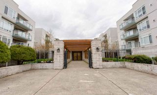 """Photo 1: 307 32075 GEORGE FERGUSON Way in Abbotsford: Central Abbotsford Condo for sale in """"ARBOUR COURT"""" : MLS®# R2564038"""