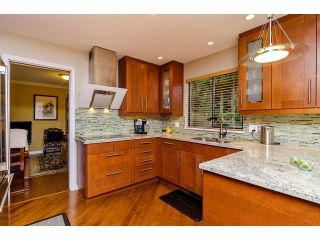 """Photo 4: 12526 OCEAN FOREST Place in Surrey: Crescent Bch Ocean Pk. House for sale in """"OCEAN CLIFF"""" (South Surrey White Rock)  : MLS®# F1305587"""