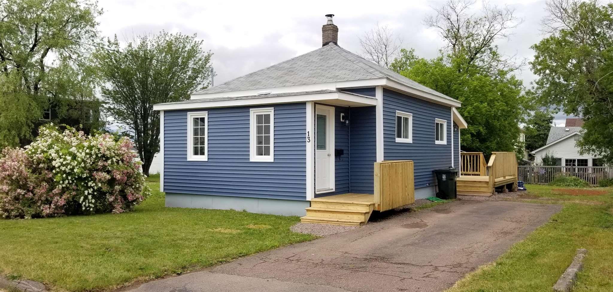 Main Photo: 13 Minto Street in Amherst: 101-Amherst,Brookdale,Warren Residential for sale (Northern Region)  : MLS®# 202116104