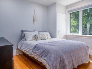 Photo 12: 25 Blenheim Avenue in Winnipeg: St Vital Residential for sale (2D)  : MLS®# 202115199