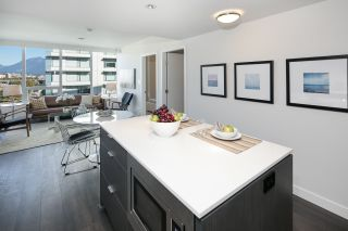 """Photo 6: 910 111 E 1ST Avenue in Vancouver: Mount Pleasant VE Condo for sale in """"Block 100"""" (Vancouver East)  : MLS®# R2125894"""