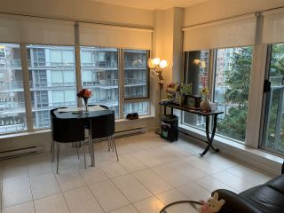 Photo 3: 703 1252 HORNBY STREET in Vancouver: Downtown VW Condo for sale (Vancouver West)  : MLS®# R2409965