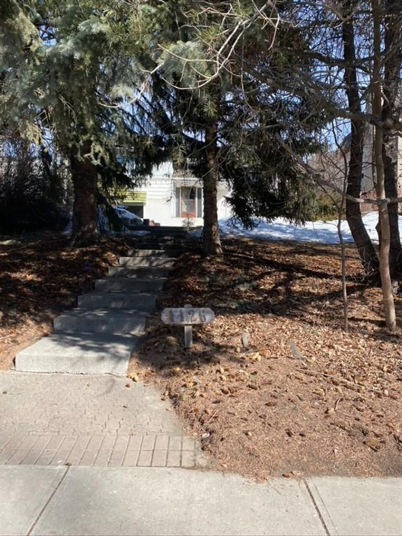 Main Photo: 1126 Premier Way SW in Calgary: Upper Mount Royal Detached for sale : MLS®# A1079676