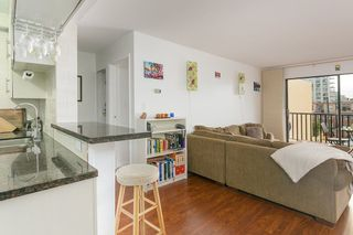 """Photo 5: 207 131 W 4TH Street in North Vancouver: Lower Lonsdale Condo for sale in """"NOTTINGHAM PLACE"""" : MLS®# R2221675"""