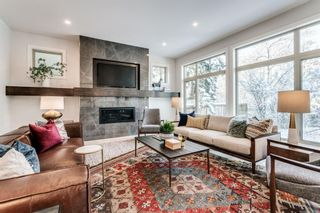 Photo 5: 23 Windsor Crescent SW in Calgary: Windsor Park Detached for sale : MLS®# A1070078