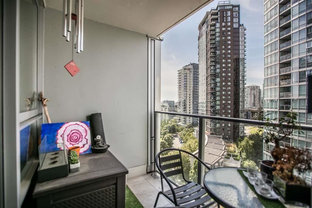 """Photo 12: Photos: 1105 1438 RICHARDS Street in Vancouver: Yaletown Condo for sale in """"AZURA 1"""" (Vancouver West)  : MLS®# R2109141"""