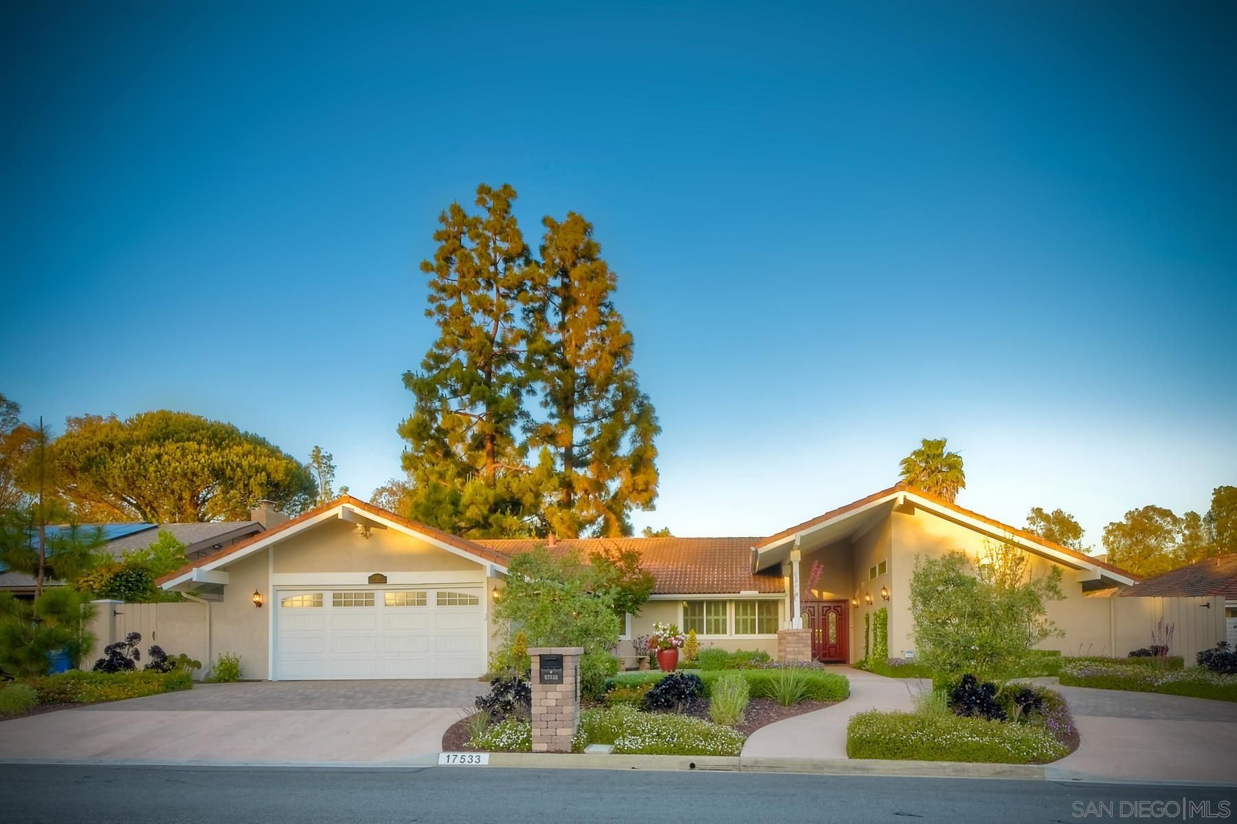 Main Photo: POWAY House for sale : 4 bedrooms : 17533 Saint Andrews Dr.