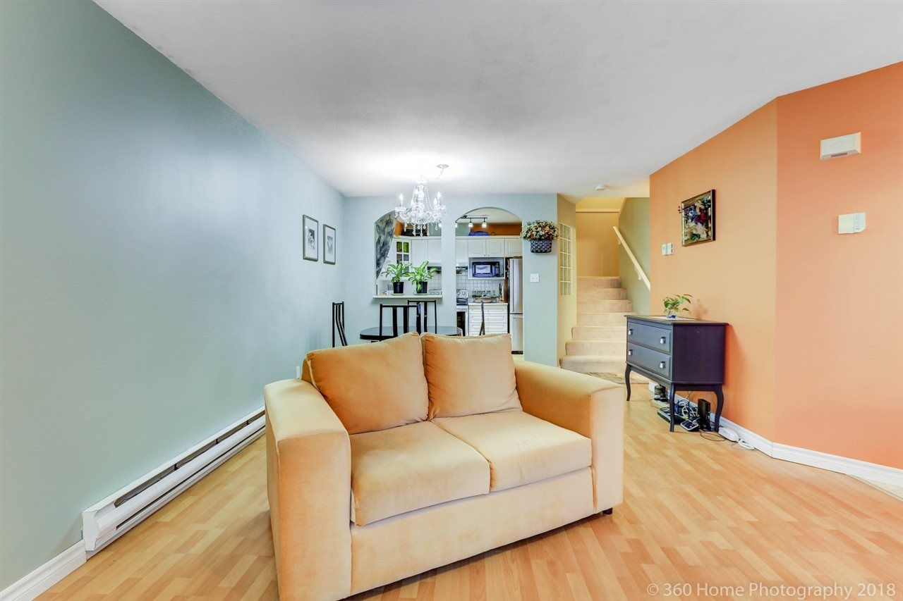 """Photo 8: Photos: 21 7488 SALISBURY Avenue in Burnaby: Highgate Townhouse for sale in """"WINSTON GARDEN"""" (Burnaby South)  : MLS®# R2260408"""