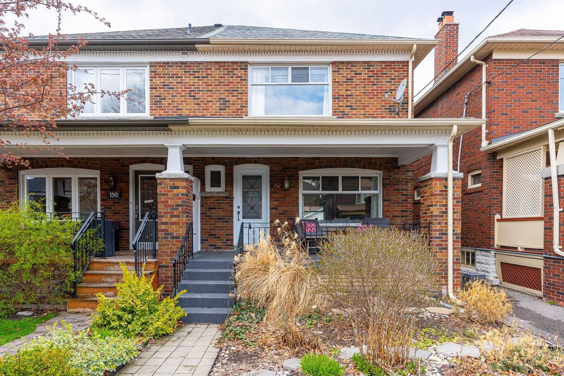 Main Photo: 152 Linsmore Crescent in Toronto: Danforth Village-East York House (2-Storey) for sale (Toronto E03)  : MLS®# E5210434