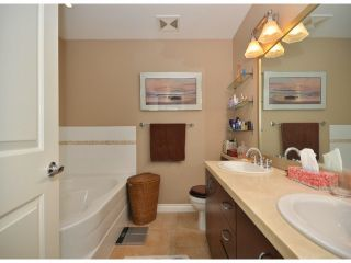 """Photo 8: 301 1550 MARTIN Street: White Rock Condo for sale in """"SUSSEX HOUSE"""" (South Surrey White Rock)  : MLS®# F1313261"""