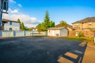 Photo 5: 7950 126A Street in Surrey: West Newton House for sale : MLS®# R2611855