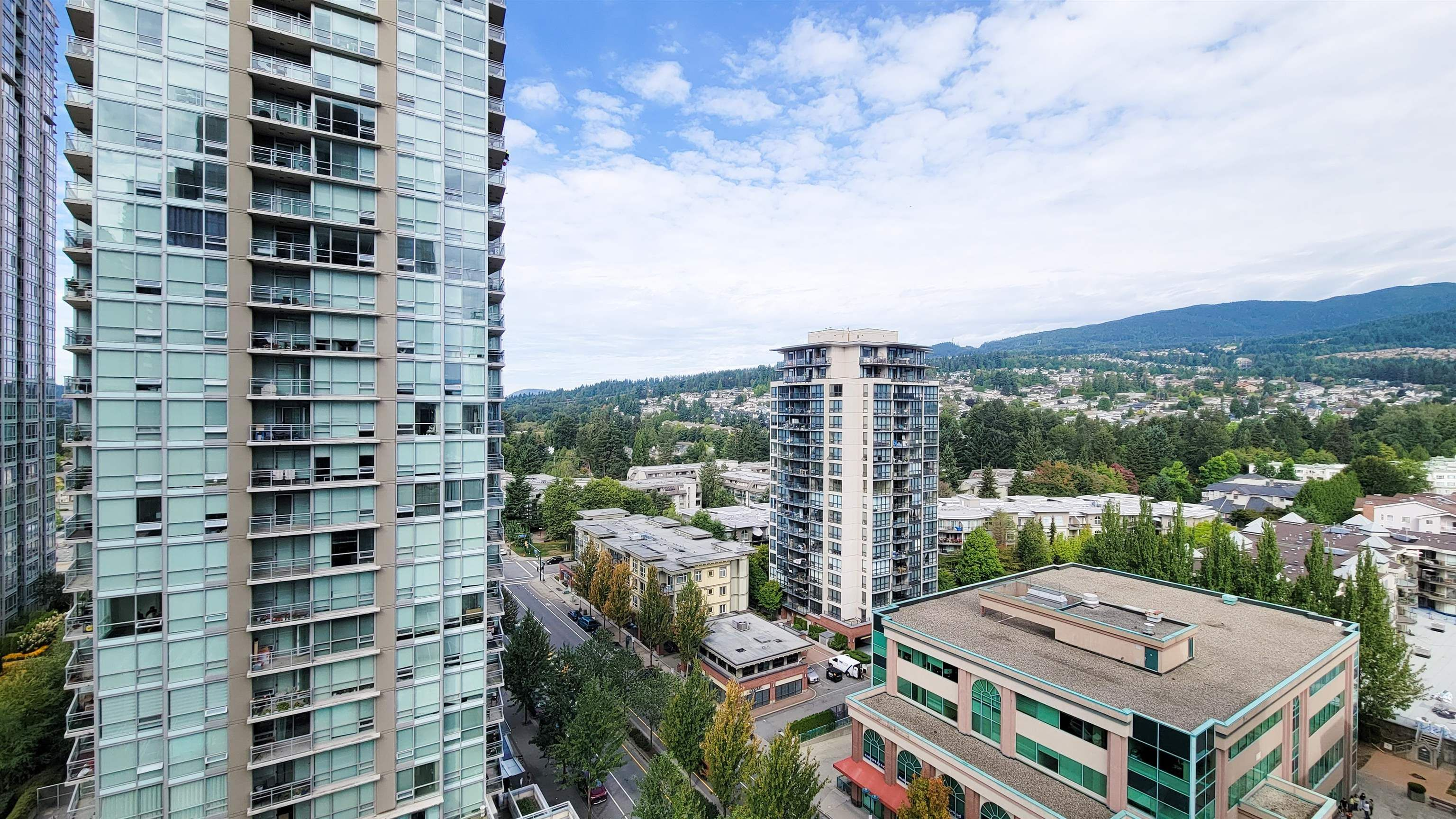 """Main Photo: 1807 2978 GLEN Drive in Coquitlam: North Coquitlam Condo for sale in """"Grand Central One"""" : MLS®# R2616903"""